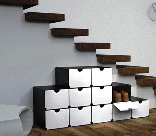 Moderny botnik pod schody