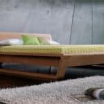 Moderna drevena manzelska postel