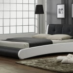 Moderna manzelska postel