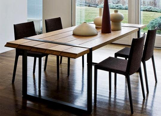 Moderny dreveny jedalensky stol