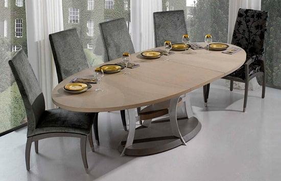 Ovalny jedalensky stol