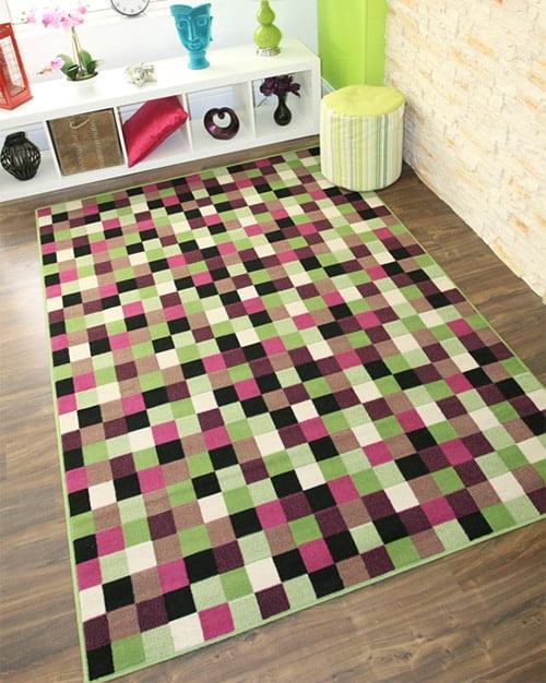 Kockovany kusovy koberec