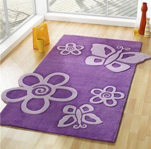 Moderny ruzovy koberec