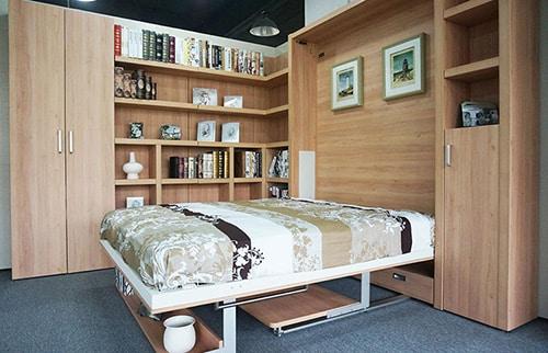 Sklopna postel s pc stolikom