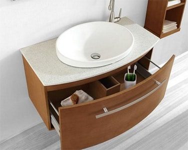 Kúpeľňová skrinka s oblými tvarmi