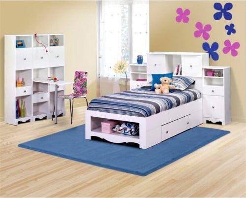 Biela posteľ s úložným priestorom