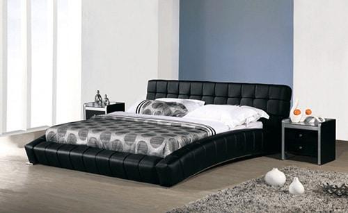 Čierna kožená prešívaná posteľ