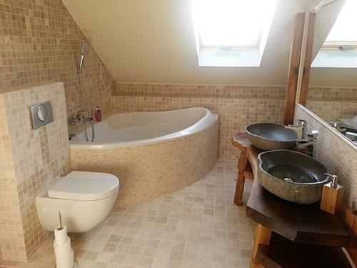 Kúpeľňa z travertínu