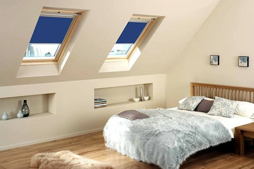 Moderné rolety na strešné okná
