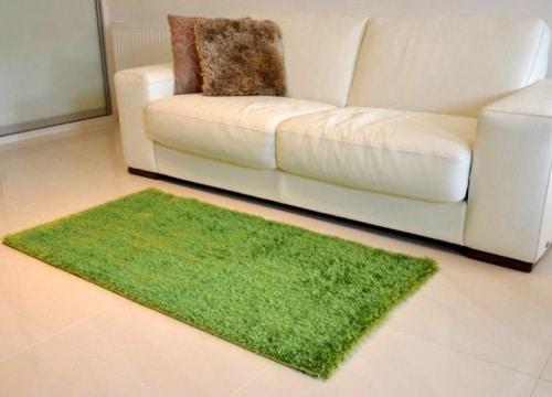 Zelený kusový koberec