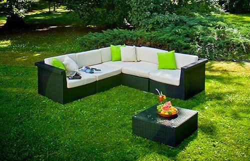 Záhradný nábytok z ratanu