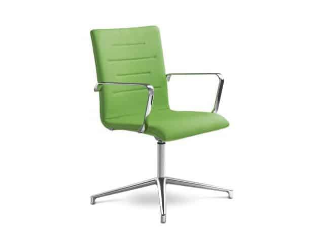 Zelená kancelárska stolička