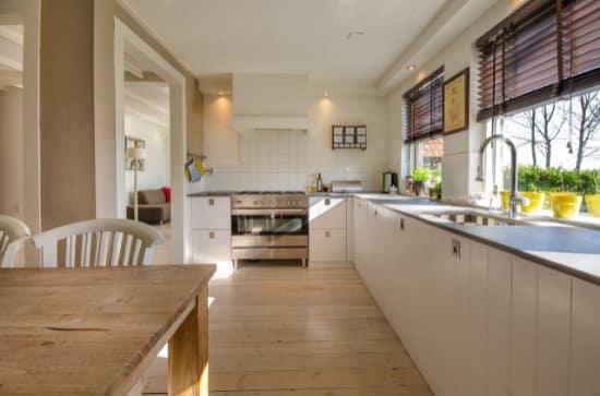 Jedáleň - kuchyňa